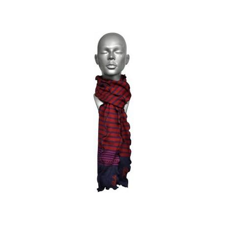 Echarpe en fil décosse rouge-raisin-Berthe aux grands pieds